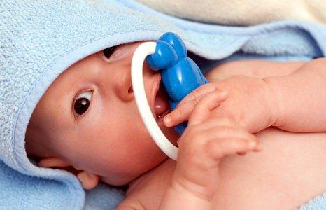 Что подарить младенцу на первый день рождения?