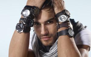 Какие часы следует приобрести мужчине