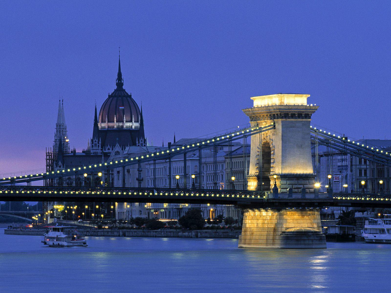 Добро пожаловать в величественный средневековый Будапешт
