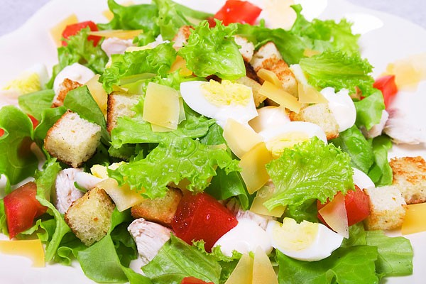 Готовим салат «Цезарь»