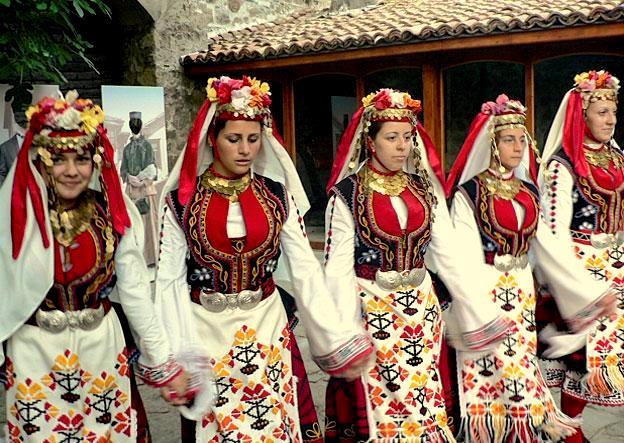 болгарский танец