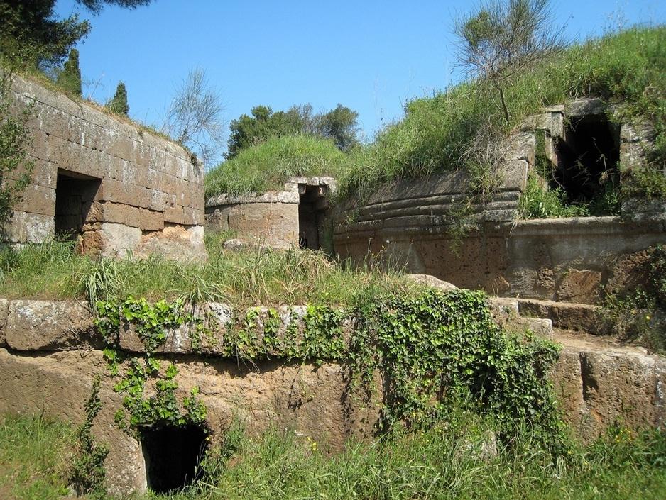 древние этрусские гробницы в Черветери