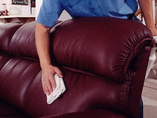 Особенности ухода за мягкой мебелью