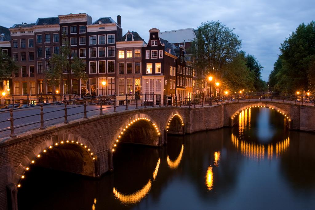 Амстердам – северный город каналов и мостов